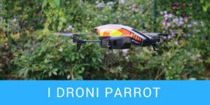 drone parrot che vola a mezz'aria in giardino