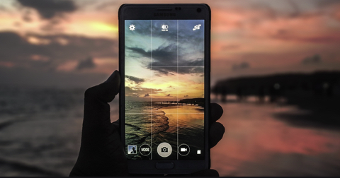 HDR SMARTPHONE